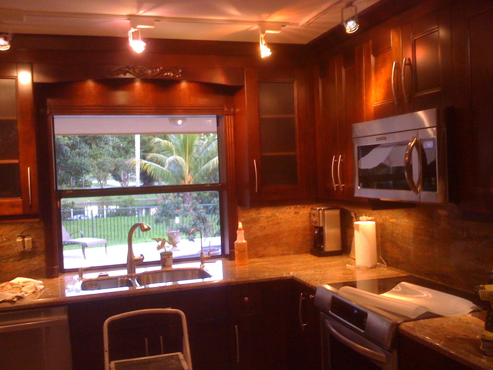 Kitchen cabinets pompano beach mf cabinets for Kitchen cabinets jobs