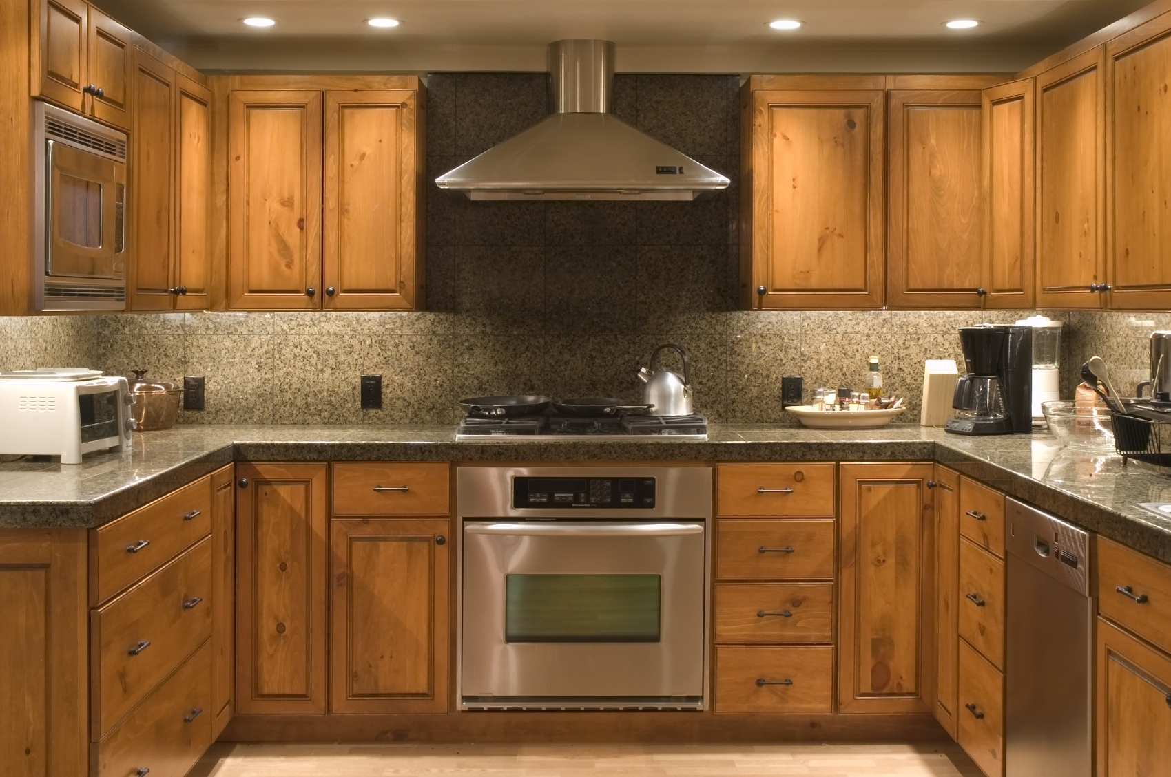 Are frameless cabinets a good choice for Kitchen setting pictures